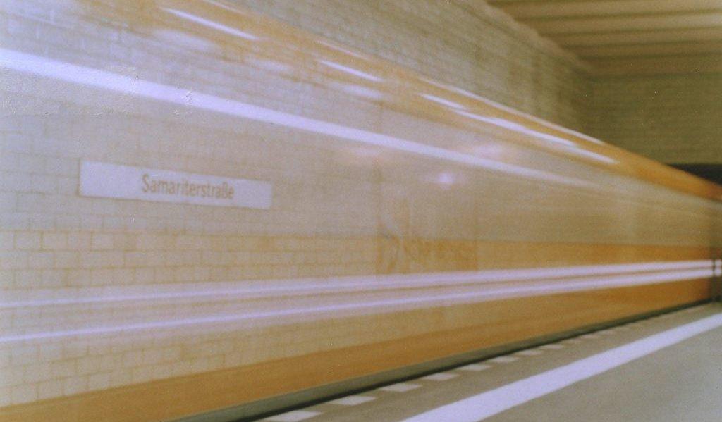 Ubahn mit Lichtgeschwindigkeit