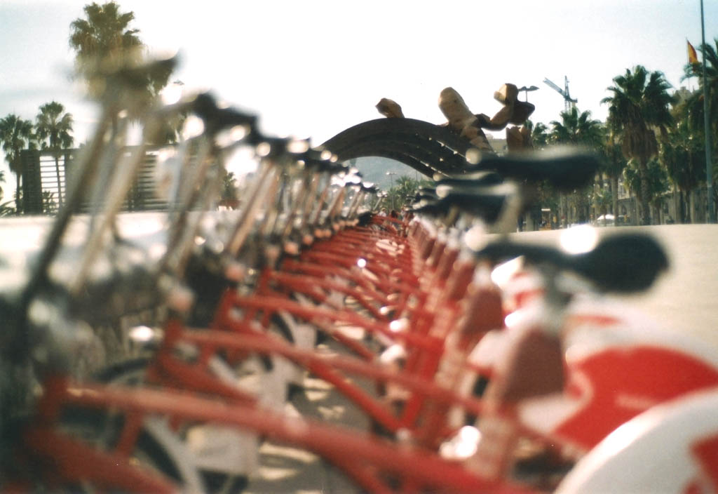 """Sunny Walk"" – Barcelona analog"