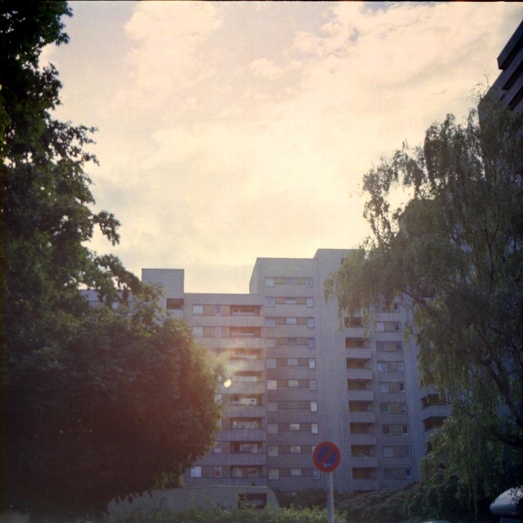 Bild mit der Kiev 60 - Wohnblock