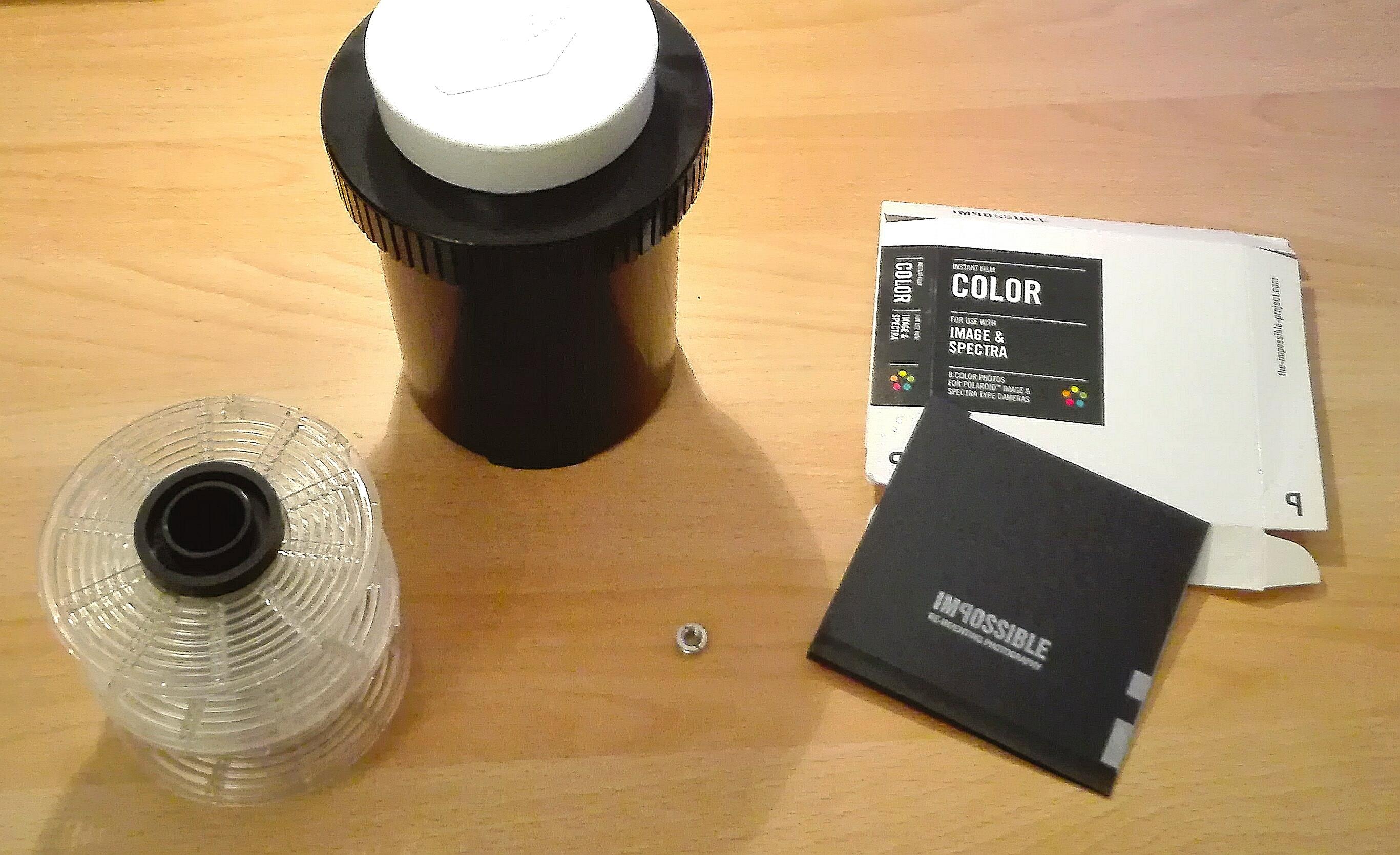 Kleine Shoppingtour: Entwicklungstank, Stativadapter und Polaroid!