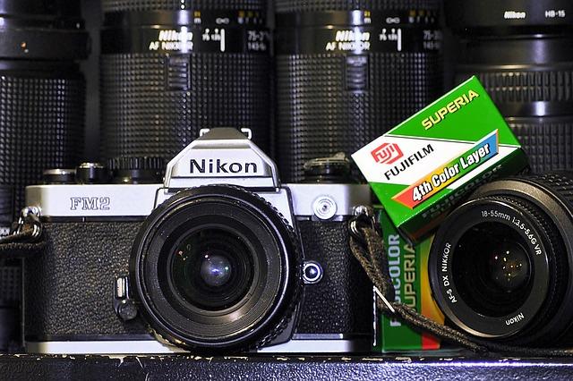Analoger Film Fujifilm SUperia und Kamera Nikon FM 2