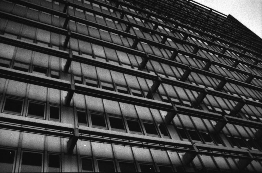 Häuserfassade der BZ und anderer Verlage