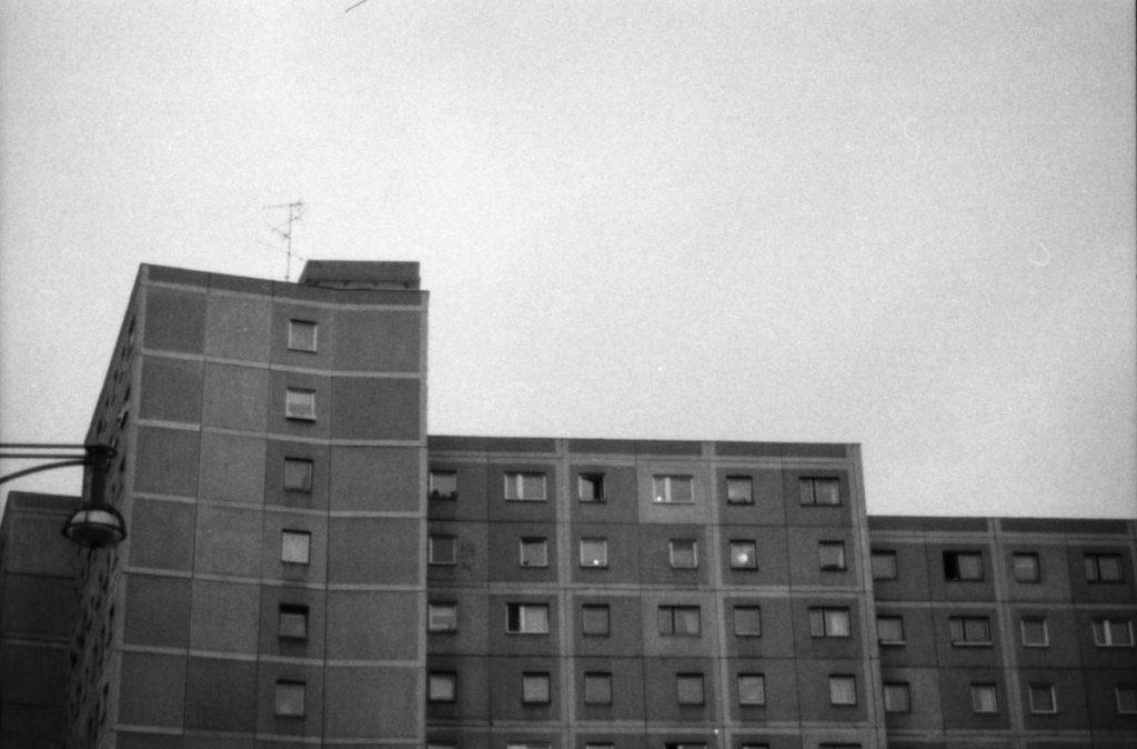 Berliner Häuserblock nähe Alex s/w