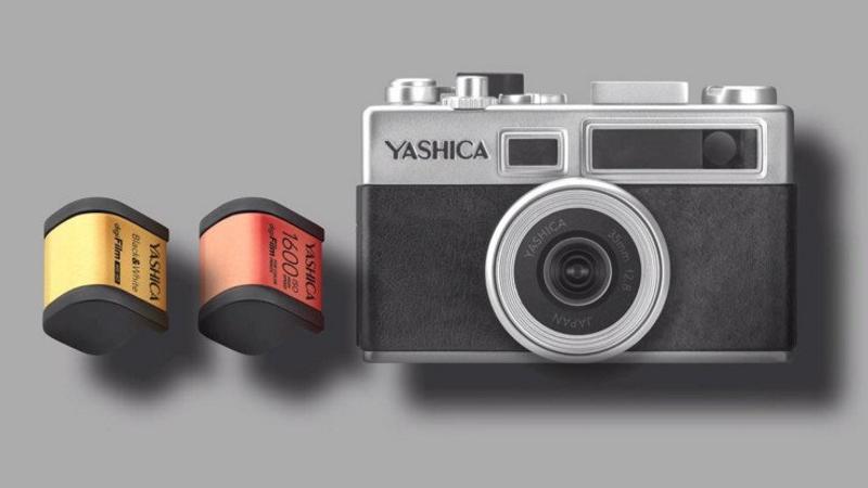 Yashica Y35 Gehäuse und zwei Filme