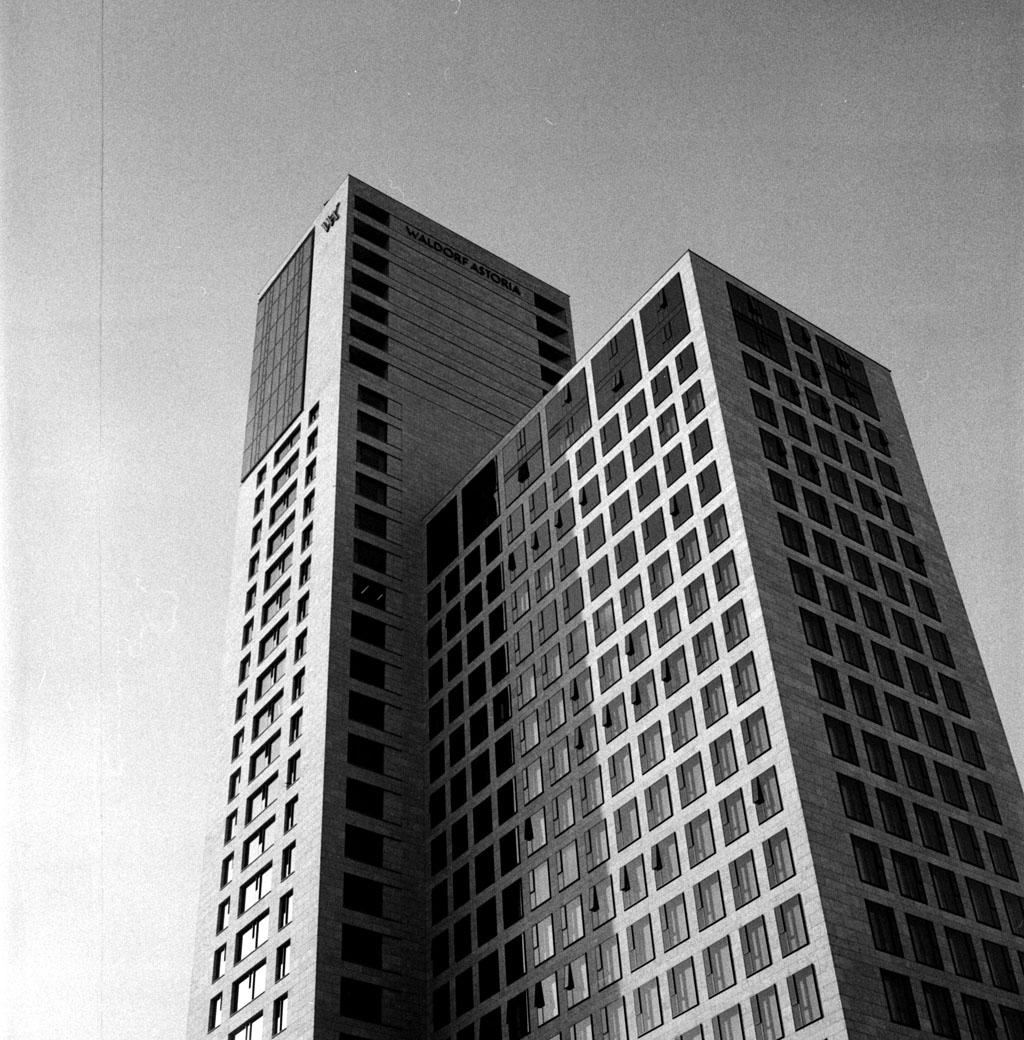 Waldorf Astoria, Yashica Mat 124G auf TriX 400