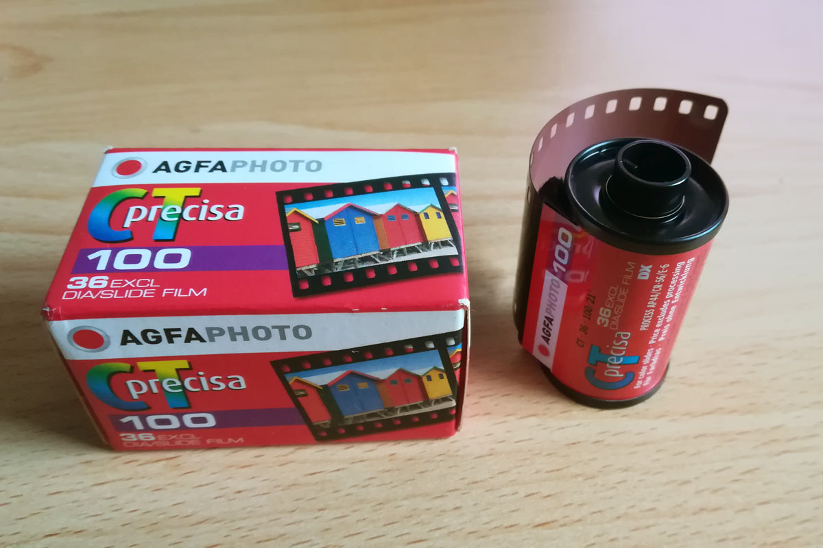Agfa Precisa CT 100 Filmpatrone und Verpackung.