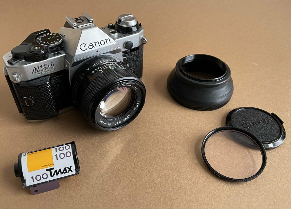 Canon AE-1 Program mit Zubehör