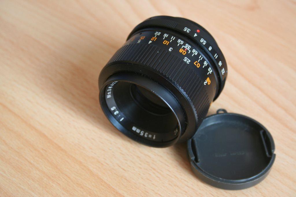 Objektiv mit M42 Anschluss für analoge Kameras.