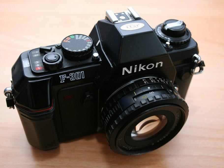Analoge Kamera Nikon F301